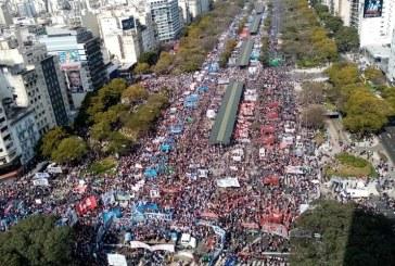 Movimientos Populares   Inmensa marcha por emergencias alimentaria y social